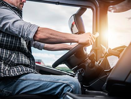 como tener una posicion correcta al volante - academia del transportista